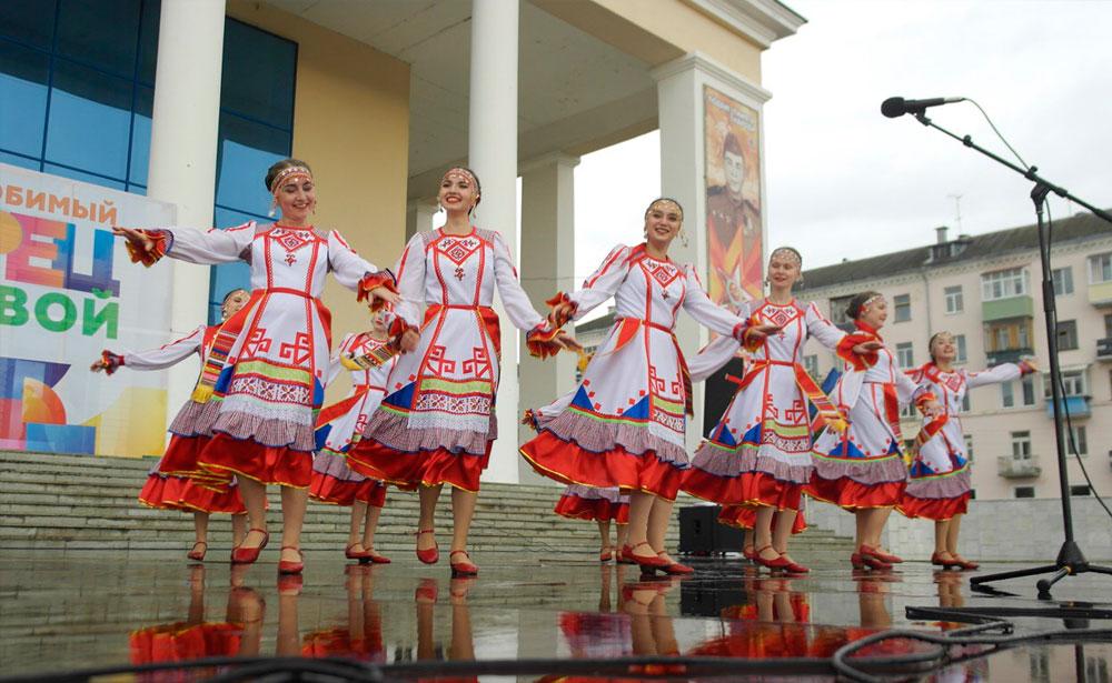 Выступление коллективов дворца культуры