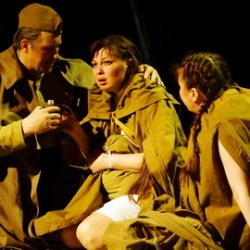 Спектакль «Не покидай меня» в Чувашском драмтеатре
