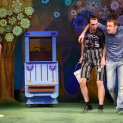 Спектакль «Деньги мигом — голова кругом» в Чувашском драмтеатре