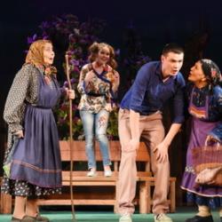 Спектакль «Не сыграть ли свадьбу» в Чувашском драмтеатре
