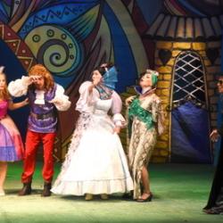 Спектакль «Кто принцессу поцелует?» в Чувашском драмтеатре